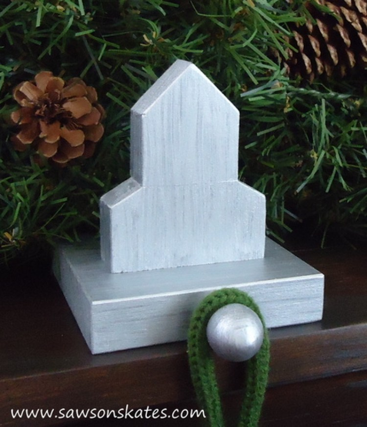 stocking holder curch mantle