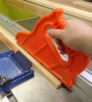 Push Stick - 48 Gift Ideas DIYers Actually WANT! - sawsonskates.com