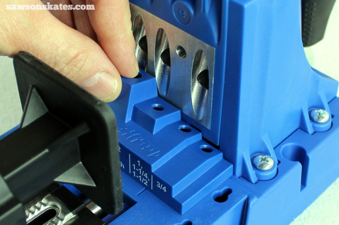 Place the stop collar setting block behind the guide block on the Kreg Jig K5