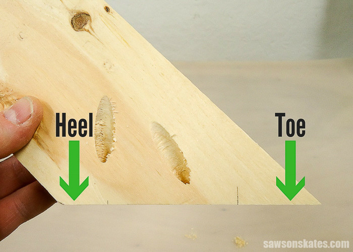 Drilling pocket holes on miter joints - The