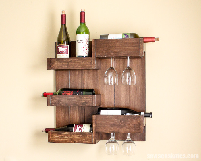 Wall-mounted DIY wine bar was inspired by a Targe wall-mounted wall bar rack