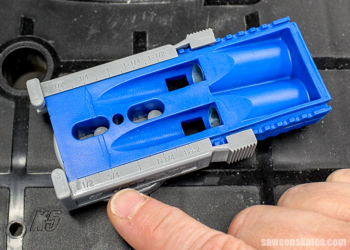 Setting the Kreg Jig R3 to drill pocket holes