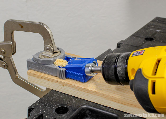 Drilling a pocket hole with the Kreg Jig R3