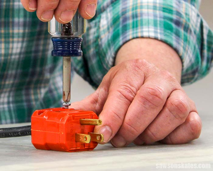 3 prong wiring how to wire a plug  tutorial video  saws on skates    how to wire a plug  tutorial video