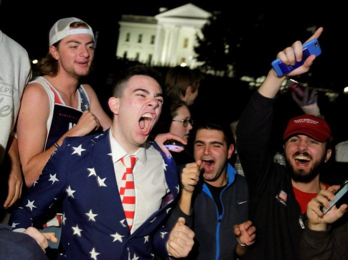 Trump supporters rally in front of the White House. (Reuters/Joshua Roberts)