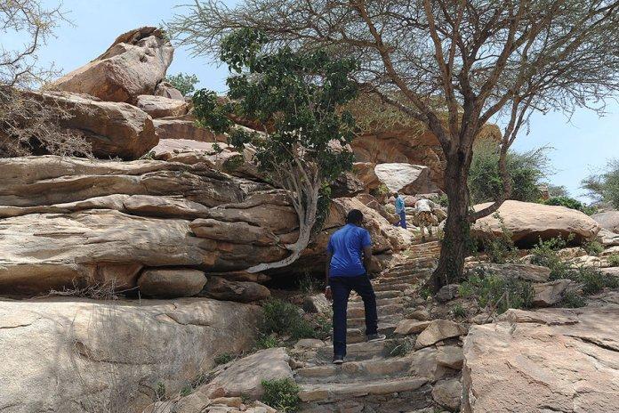 0814 SOMALILAND_CAVES.3