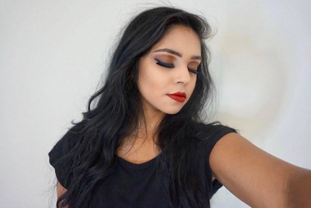 dark-makeup-red-lips