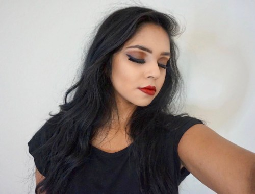 dark-makeup-red-lips