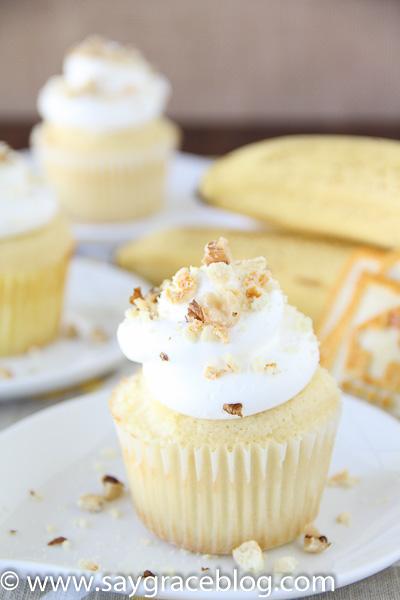 Banana Pudding Surprise Cupcakes
