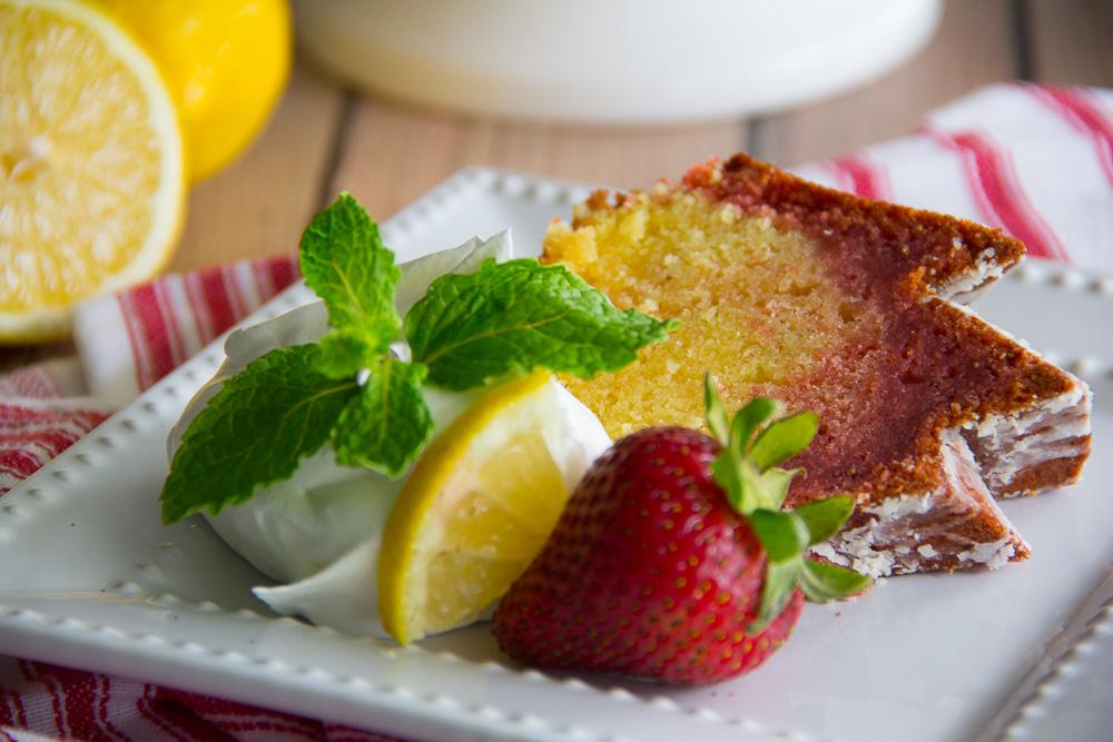 Strawberry Lemonade Bundt Cake-5