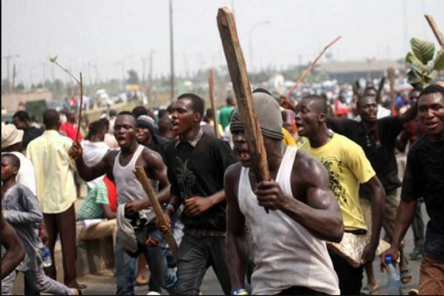 Lagos City Goes On Rampage As Hausa Man Kills Lagos Trader