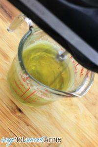 الشاي الأخضر لتصليح كريم الوجه صحية ونظيفة ومغذية - كبيرة للبشرة الجافة أو الشيخوخة! | saynotsweetanne.com | #lotion #diy #clean #beauty #greentea