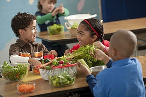 Healthy eating habits of children can be improved by food programs (Credit: U.S. Department of Agriculture/Flickr)