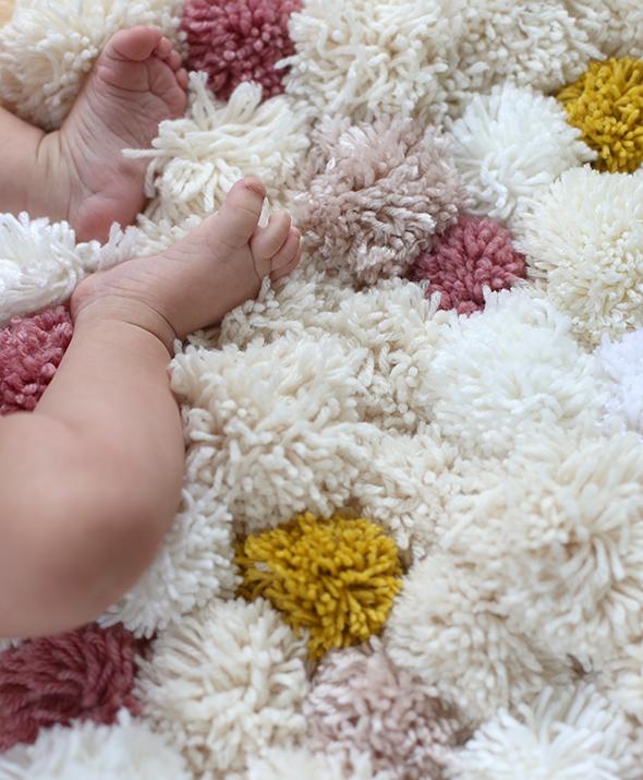 Pom pom DIY alfombra