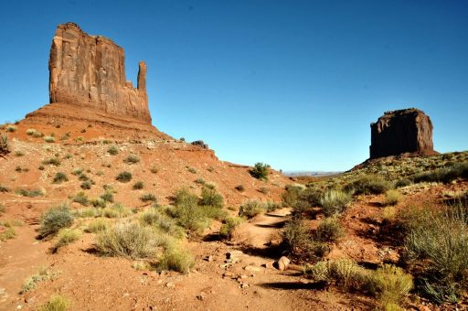 Hiking the Wildcat Trail in Monument Valley