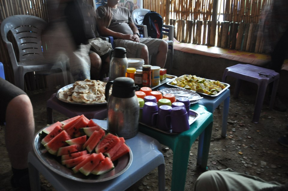 Lunch during Danakil tour