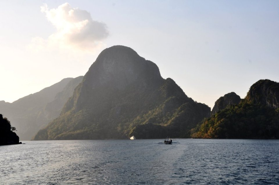 Sailing from Coron to El Nido