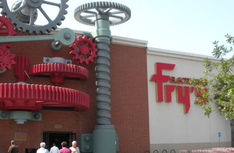 Fry's Electronics permanently closing all stores nationwide