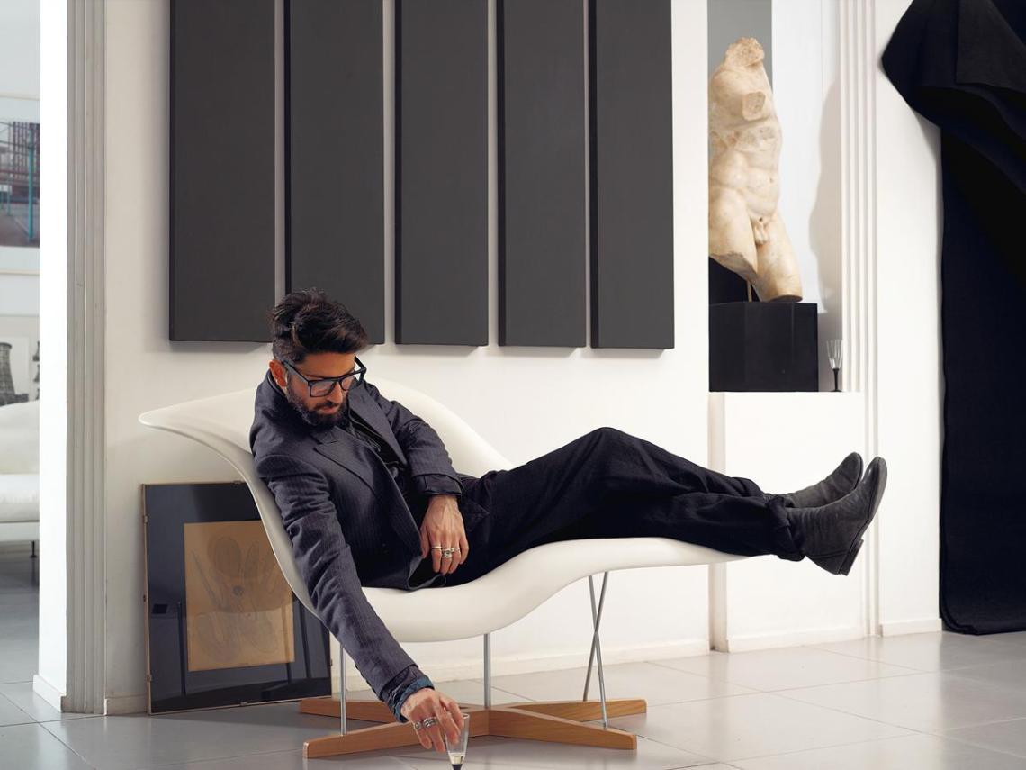 vitra-la-chaise-11_zoom