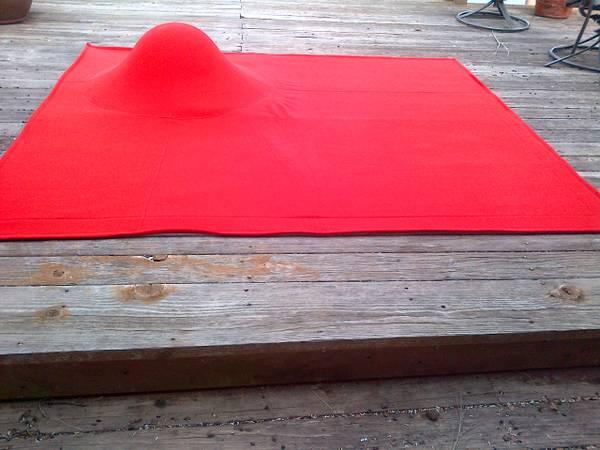 ligne roset designer funk modern hump rug texas craigslist texas austin red kloc rug gavoille built in ottoman floor lounger 250.jpg