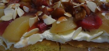 Gateau of rhubarb, apples and almonds - Feature image