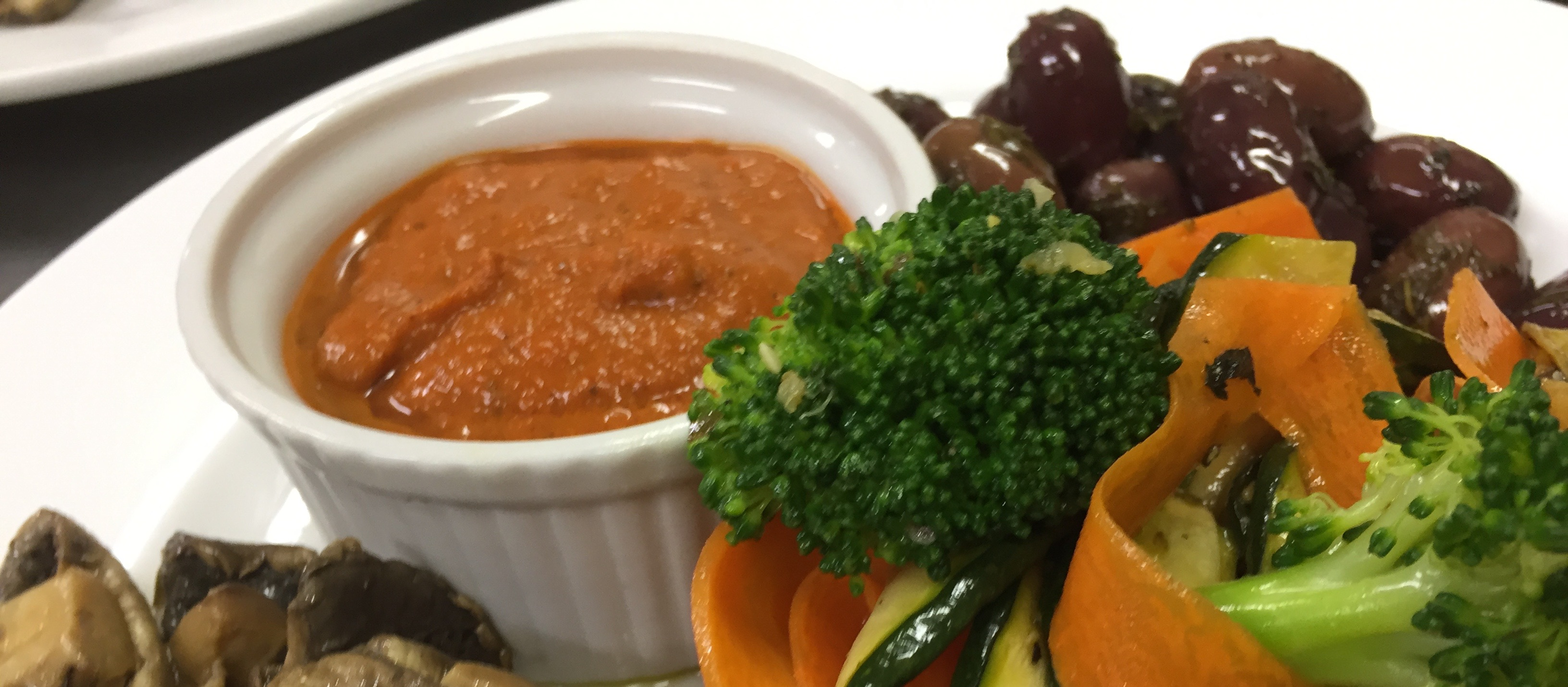 Selection of Marinated Olives, Marinated Mushrooms, Vegetable Toss & Roasted Capsicum Dip