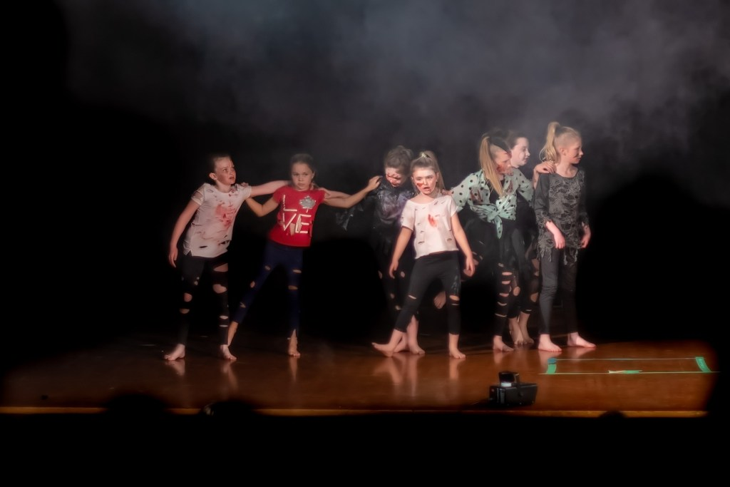 dance2019-19