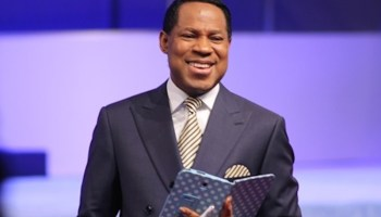 Pastor Chris Oyakhilome Collection (11 Books) (Mobi, Epub & PDF) How to Make Your Faith Work How to Pray Effectively The Power of Tongues Praying the Right Way Recreating Your World Seven Spirits of God Seven Things the Holy Spirit Will Do in You Stories of Supernatural Healing Supernatural Healing When God Visits You Your Rights in Christ