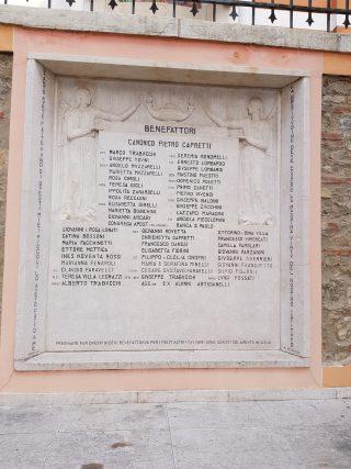 Stele commemorativa dei benefattori dell'Istituto Artigianelli