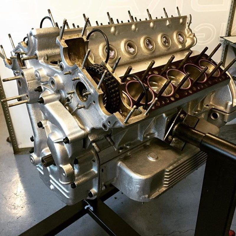 Daytona engine coming on well..#ferrari #daytona #sbraceengineering #specialist