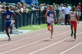Colucci tears up the straightaway in the 100m final