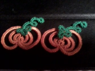 Challenge Accepted – Reader Submission for Weekly Challenge #23 - Pumpkin Earrings - Tatted by Terry.