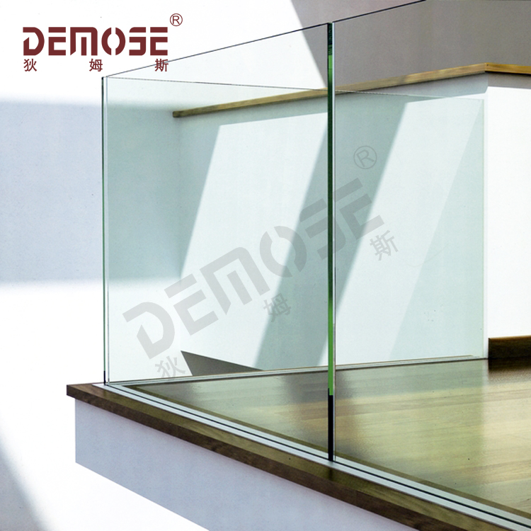 balustrade d exterieur en verre sans cadre balustrade avec profil du canal u en aluminium buy garde corps en verre sans cadre balustrade en verre a