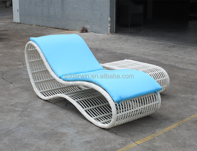 foshan outdoor white plastic beach lounge chairs buy beach lounge chairs white plastic beach chairs outdoor lounge bed product on alibaba com