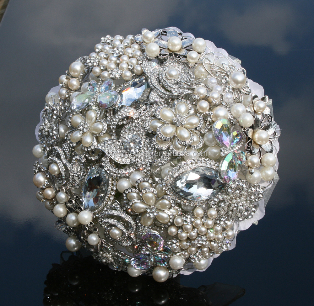 Wholesale Crystal Cluster BroochDiamante And Pearl Brooch