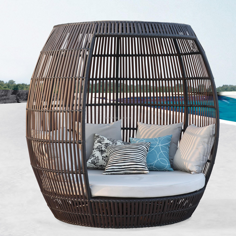 chaise de soleil en osier synthetique accessoire d exterieur en poly rotin rond chaise de soleil ronde coussin impermeable pour piscine ou club buy