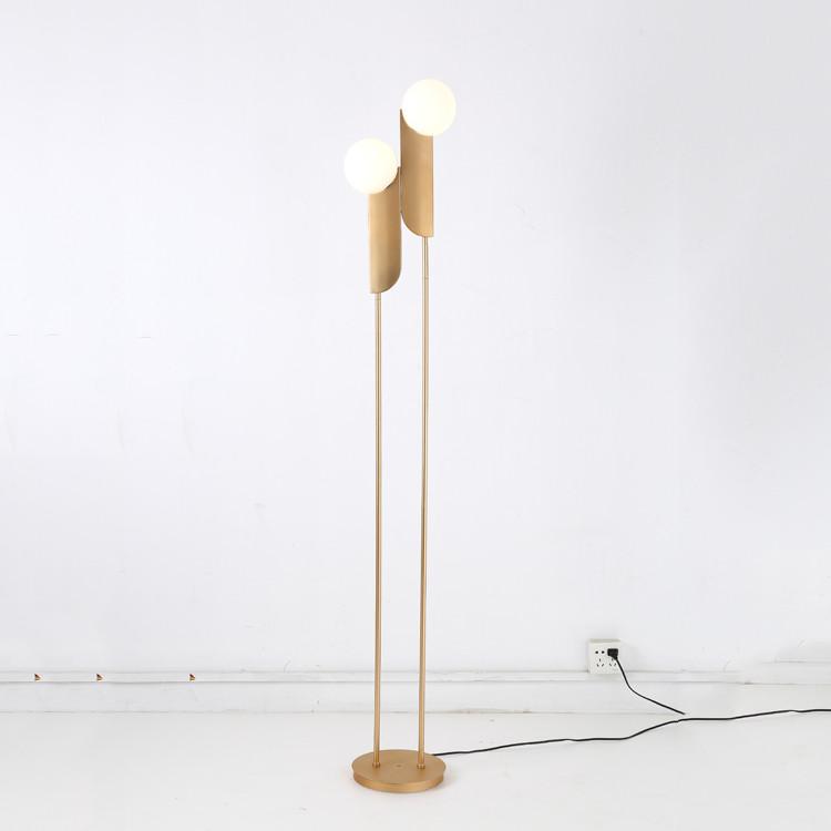 design moderne fer boule de verre lampadaire pour chambre buy lampadaire chambre lampadaire boule de verre lampadaire moderne en verre product on