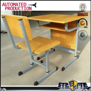 haute classe de mobilier scolaire tables et chaises vieux en bois ecole superieure chaises a