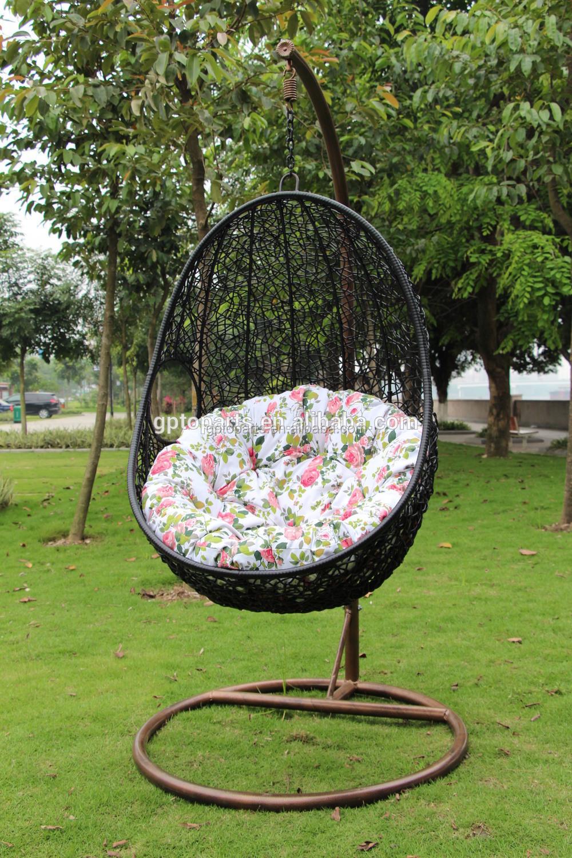 fauteuil balancoire d exterieur en osier et rotin lit balancoire en forme d œuf tisse suspendu buy chaise de lit d oscillation en rotin en osier