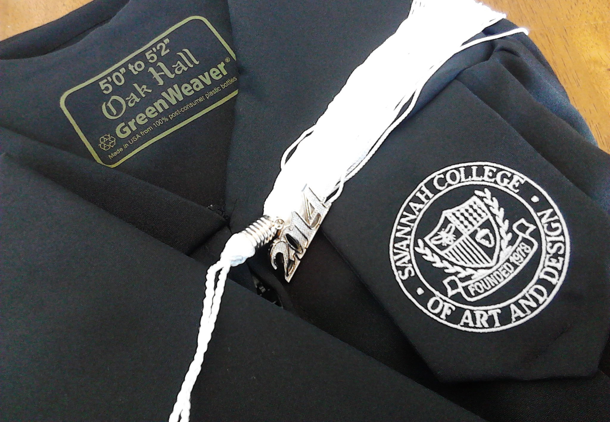 Fall 2014 grads going green for commencement - SCAD District