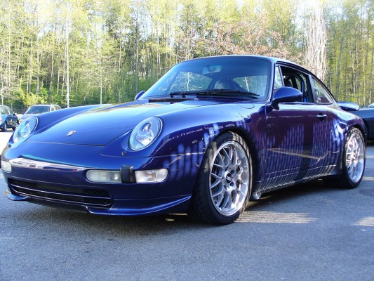 1995 Porsche 911 Carrera – Performance and Looks