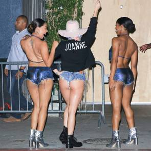 Lady Gaga showing her ass cheeks
