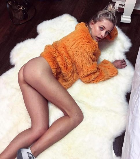 Caroline Vreeland Nude Pics and LEAKED Drunk Porn in 2020 47