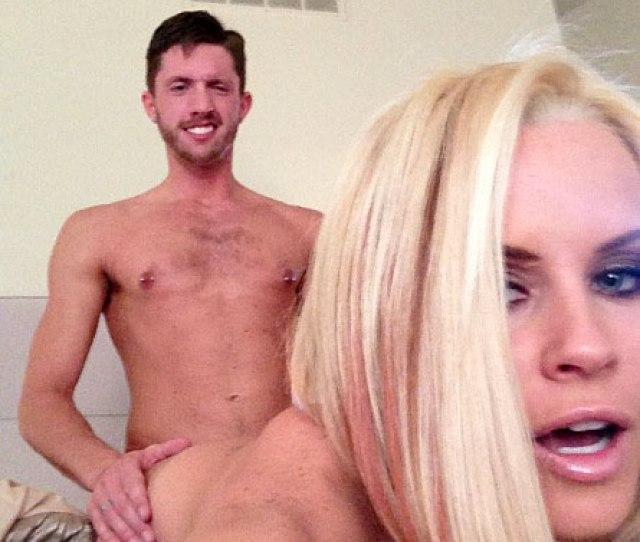02 Jenny Mccarthy Leaked Nude