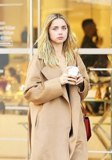 Ana de Armas Nude & LEAKED Porn And Topless Sex Scenes 43