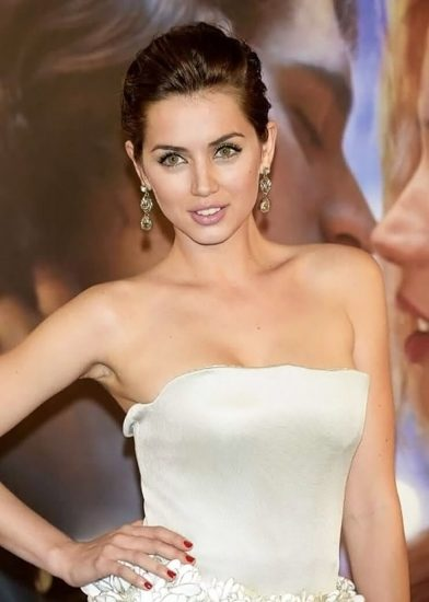 Ana de Armas Nude & LEAKED Porn And Topless Sex Scenes 35