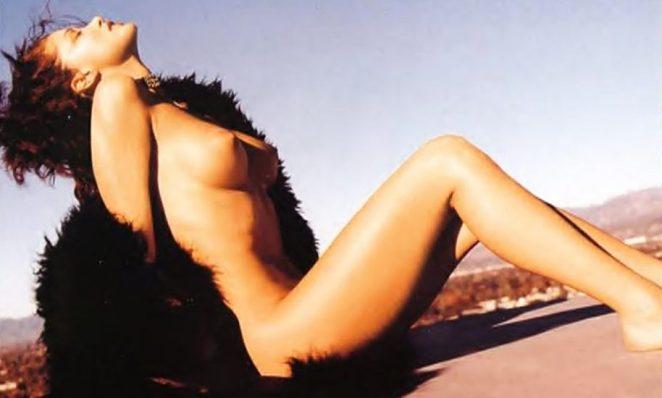 Shannon Elizabeth Nude Pics & Topless Sex Scenes Compilation 20