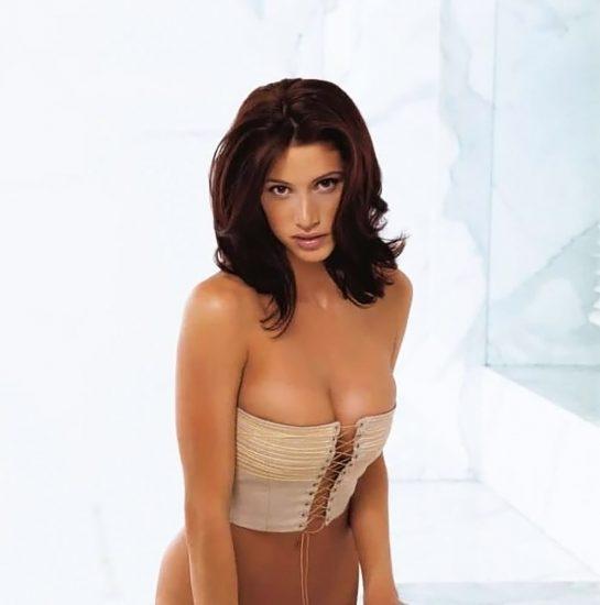 Shannon Elizabeth Nude Pics & Topless Sex Scenes Compilation 28