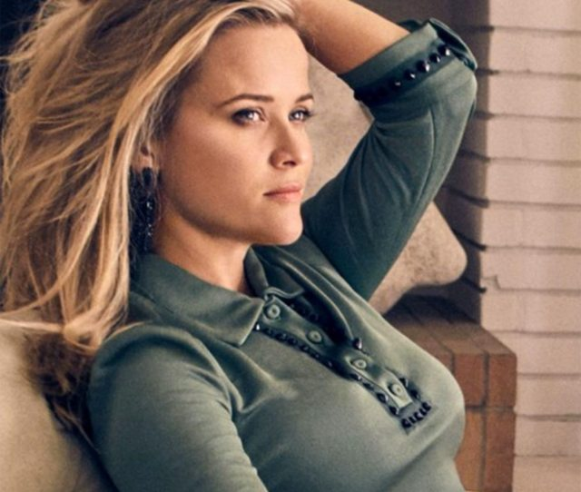 Reese Witherspoon Age 42 Is An American Actress And Producer From New Orleans Who Received Some Of The Most Valuable Awards Such As Academy Award Emmy