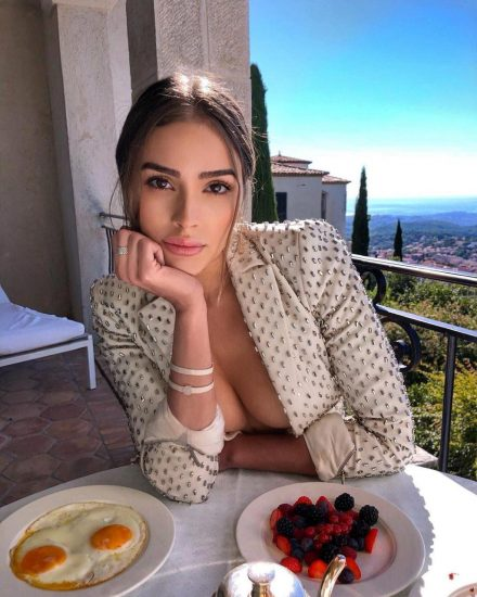 Olivia Culpo Nude & Topless ULTIMATE Collection 157
